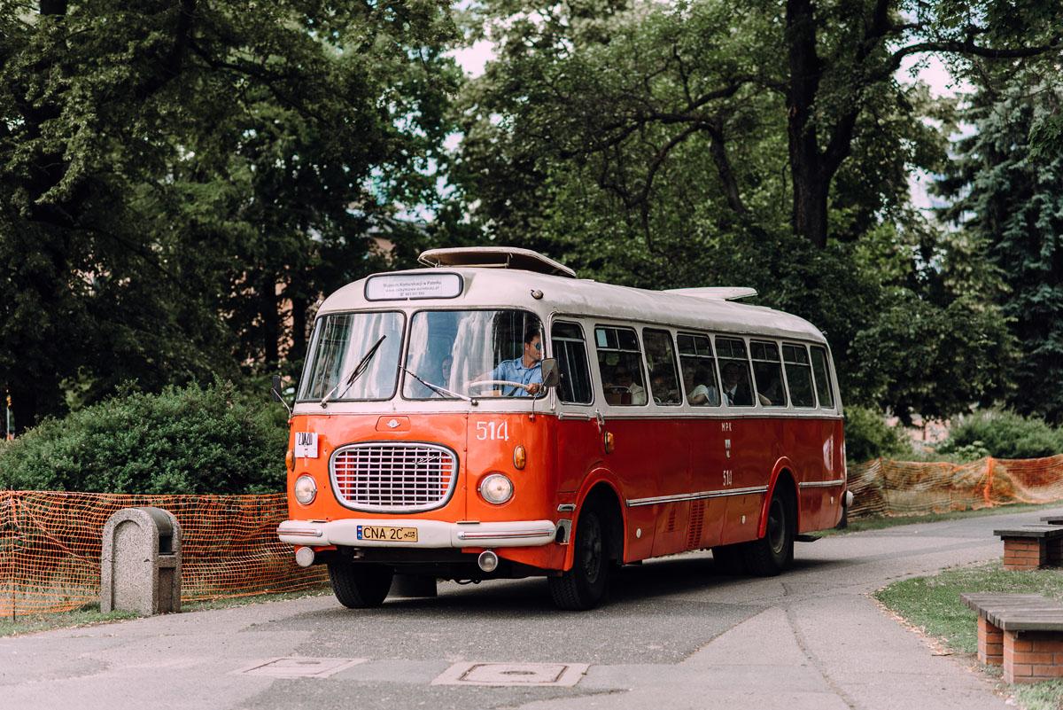 stylowy-slub-trabant-601-rat-style-slub-parafia-wojskowa-NMP-Krolowej-Pokoju-wesele-dwor-Hulanka-Bydgoszcz-Asia-Marcin-067