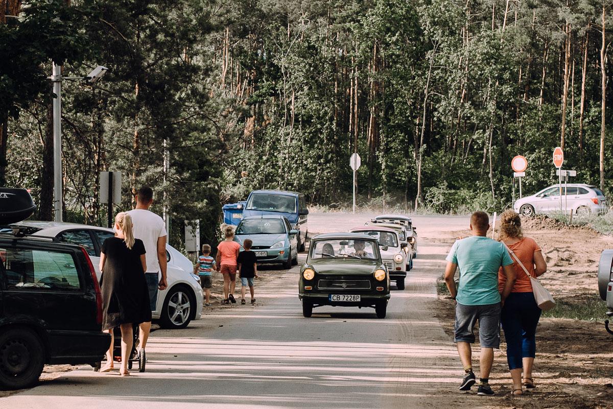 stylowy-slub-trabant-601-rat-style-slub-parafia-wojskowa-NMP-Krolowej-Pokoju-wesele-dwor-Hulanka-Bydgoszcz-Asia-Marcin-159