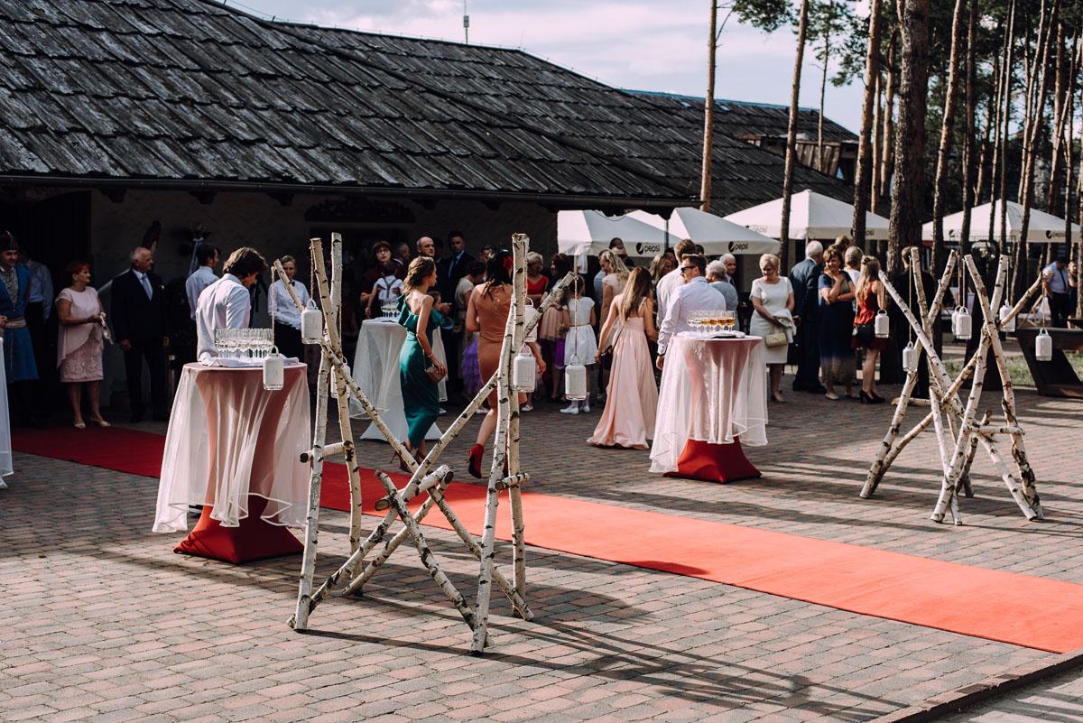 stylowy-slub-trabant-601-rat-style-slub-parafia-wojskowa-NMP-Krolowej-Pokoju-wesele-dwor-Hulanka-Bydgoszcz-Asia-Marcin-160