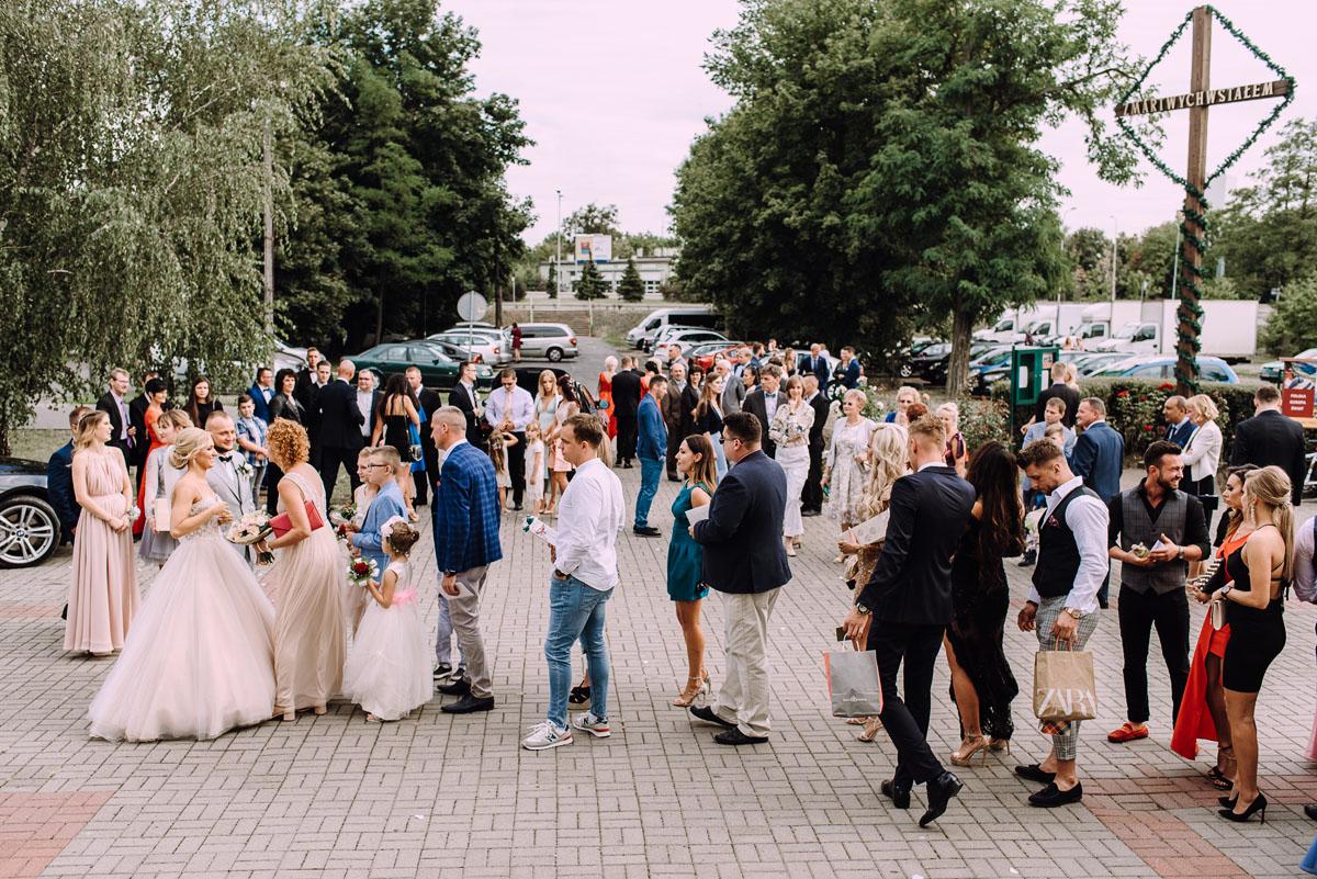 pastelowy-reportaz-slubny-slub-kosciol-sw-Antoniego-z-Padwy-Bydgoszcz-wesele-pod-namiotem-Hotel-Palac-Myslecinek-Oliwia-Maciej-129