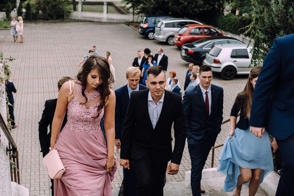 pastelowy-reportaz-slubny-slub-kosciol-sw-Antoniego-z-Padwy-Bydgoszcz-wesele-pod-namiotem-Hotel-Palac-Myslecinek-Oliwia-Maciej-138