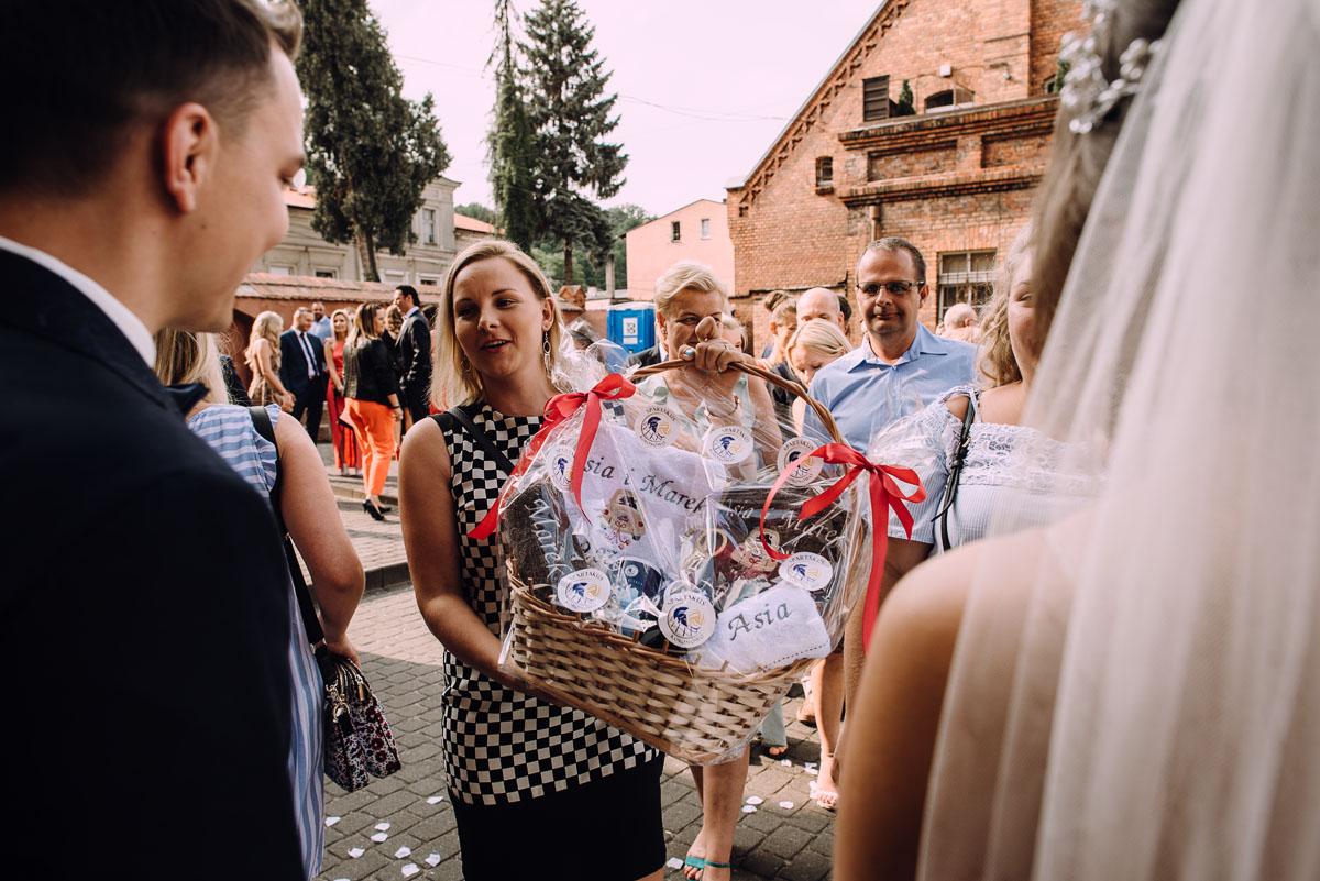 slub-Joanna-Marek-Bazylika-Wniebowziecia-NMP-Koronowo-wesele-Biala-Perla-Niewiescin-119