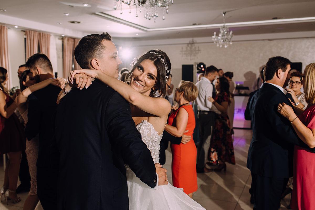 slub-Joanna-Marek-Bazylika-Wniebowziecia-NMP-Koronowo-wesele-Biala-Perla-Niewiescin-179