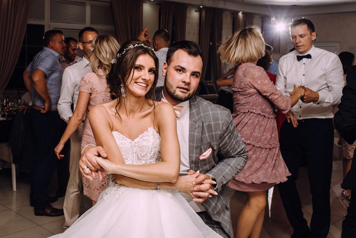slub-Joanna-Marek-Bazylika-Wniebowziecia-NMP-Koronowo-wesele-Biala-Perla-Niewiescin-215