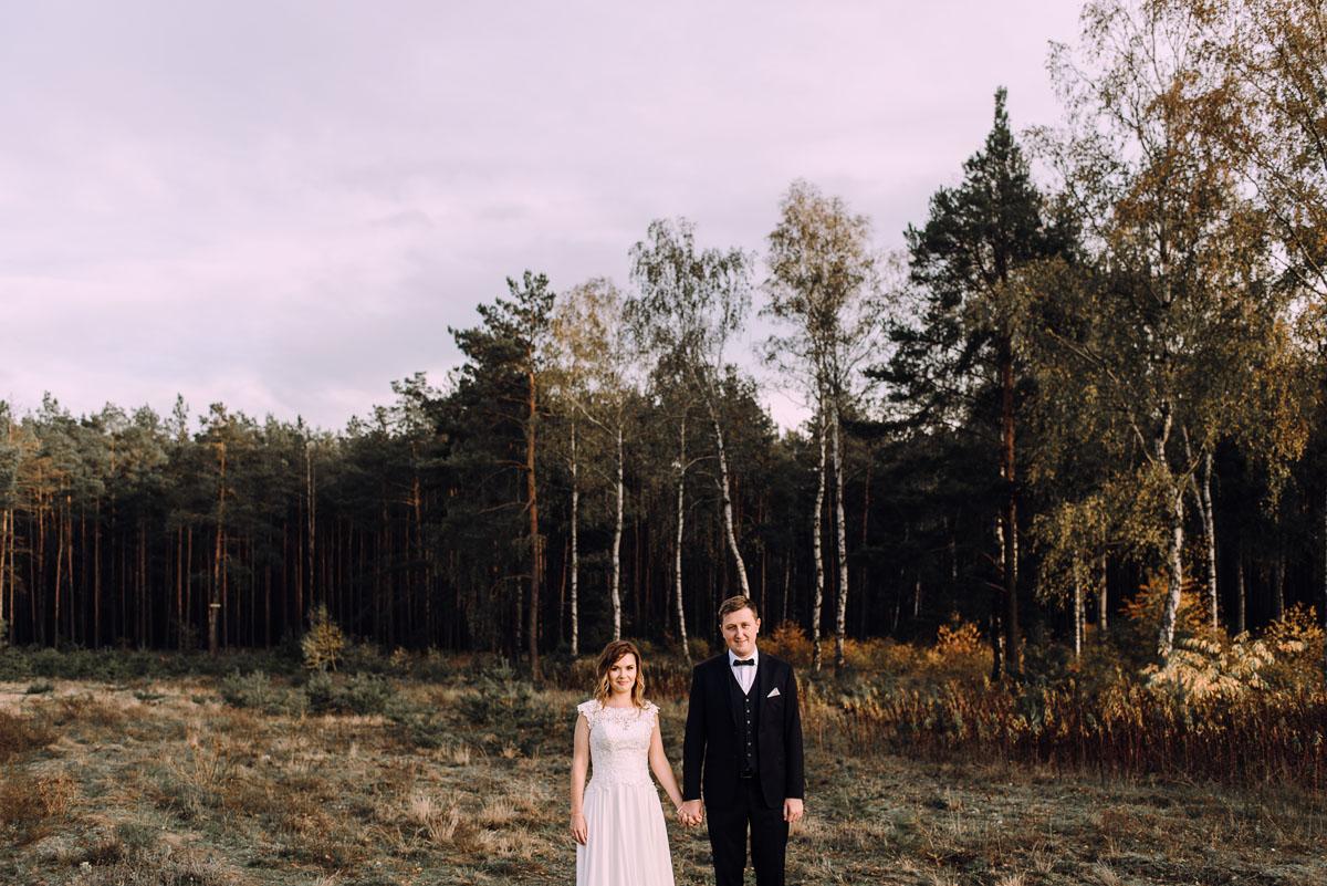 fotografujemy-emocje-lesna-sesja-slubna-Sylwia-Hubert-001