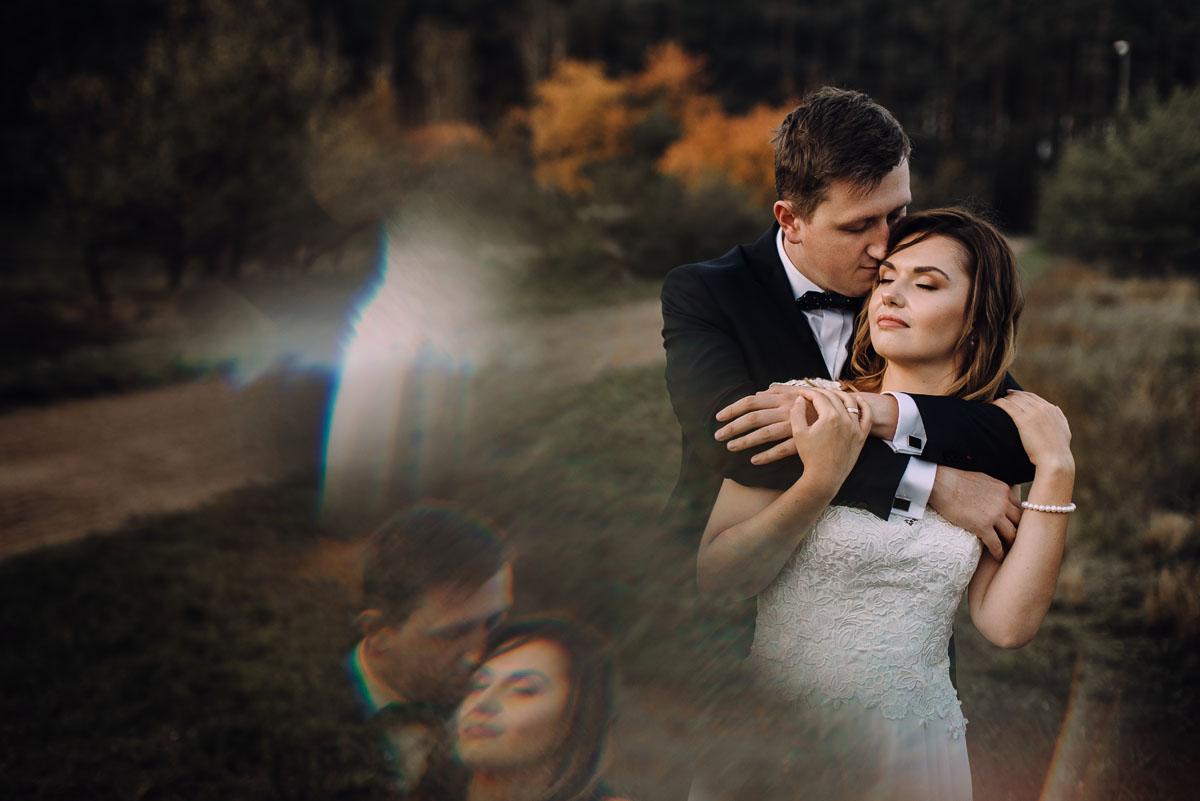 fotografujemy-emocje-lesna-sesja-slubna-Sylwia-Hubert-042
