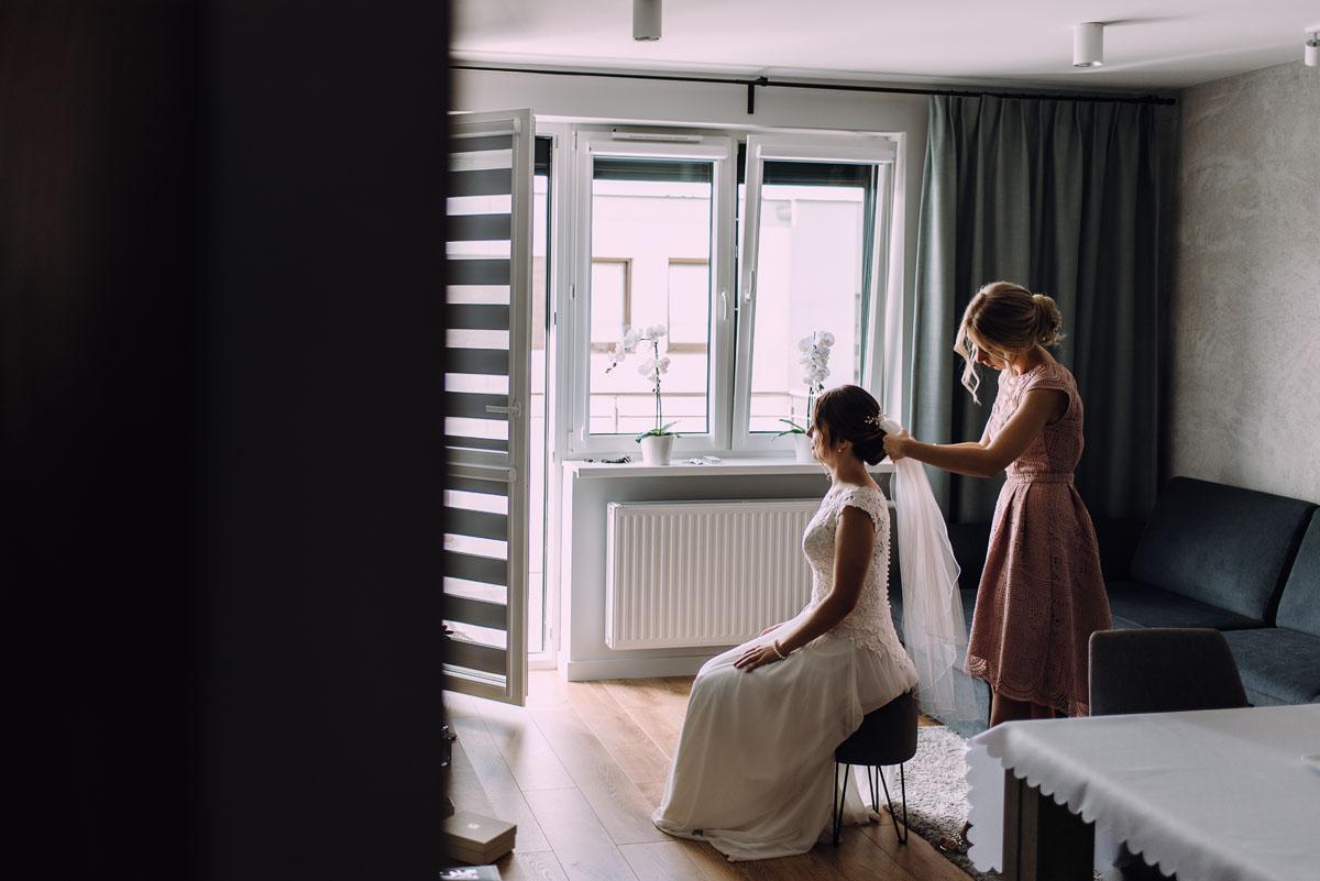 reportaz-slubny-slub-kosciol-Zmartwychwstania-Panskiego-Bydgoszcz-wesele-Hotel-Brzoza-Sylwia-Hubert-015