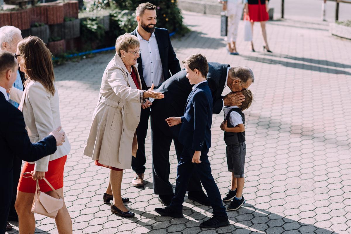 reportaz-slubny-slub-kosciol-Zmartwychwstania-Panskiego-Bydgoszcz-wesele-Hotel-Brzoza-Sylwia-Hubert-064
