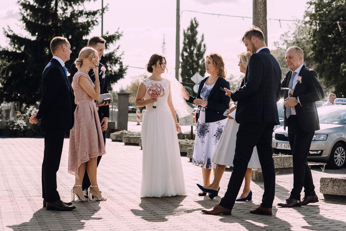 reportaz-slubny-slub-kosciol-Zmartwychwstania-Panskiego-Bydgoszcz-wesele-Hotel-Brzoza-Sylwia-Hubert-065