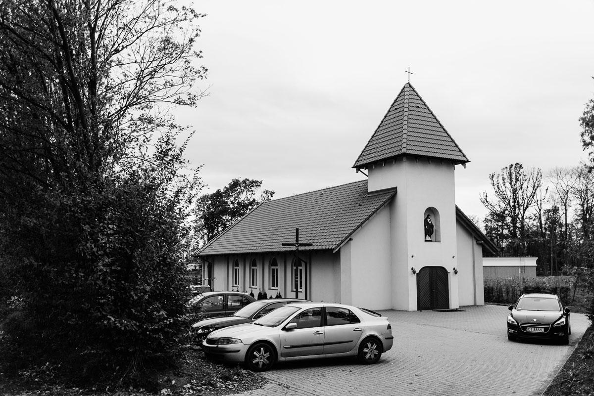 reportaz-slubny-Magda-Tomek-slub-kaplica-Jozefa-Jankowskiego-wesele-Pałac-Suchary-Bydgoszcz-Swietliste-055