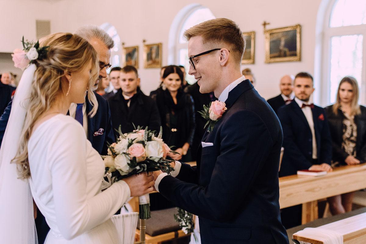 reportaz-slubny-Magda-Tomek-slub-kaplica-Jozefa-Jankowskiego-wesele-Pałac-Suchary-Bydgoszcz-Swietliste-064