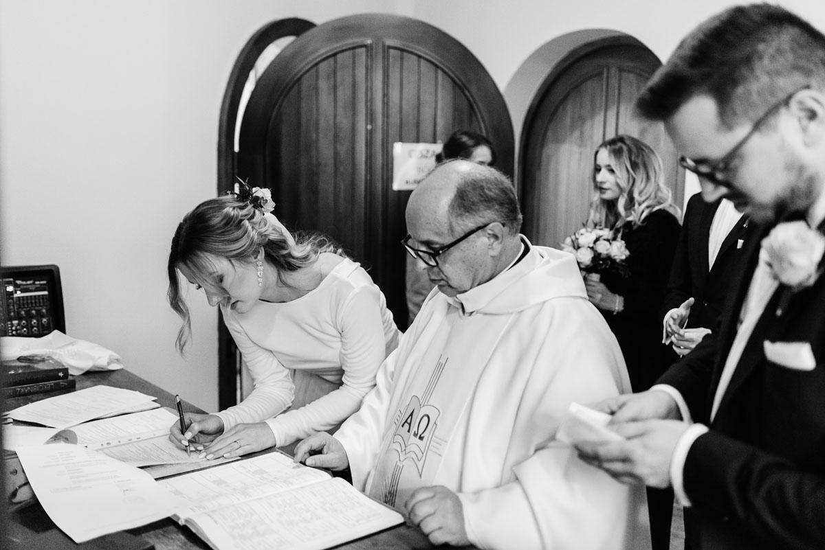 reportaz-slubny-Magda-Tomek-slub-kaplica-Jozefa-Jankowskiego-wesele-Pałac-Suchary-Bydgoszcz-Swietliste-100