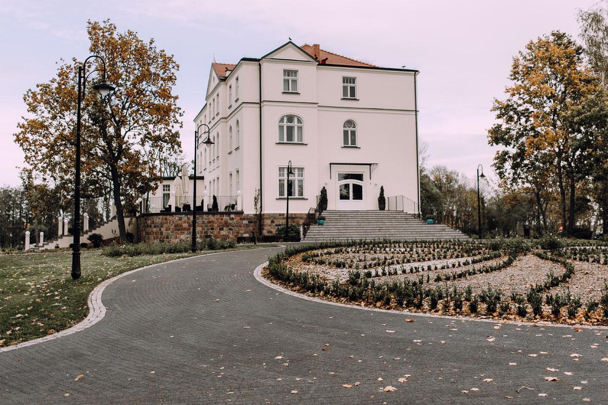 reportaz-slubny-Magda-Tomek-slub-kaplica-Jozefa-Jankowskiego-wesele-Pałac-Suchary-Bydgoszcz-Swietliste-115