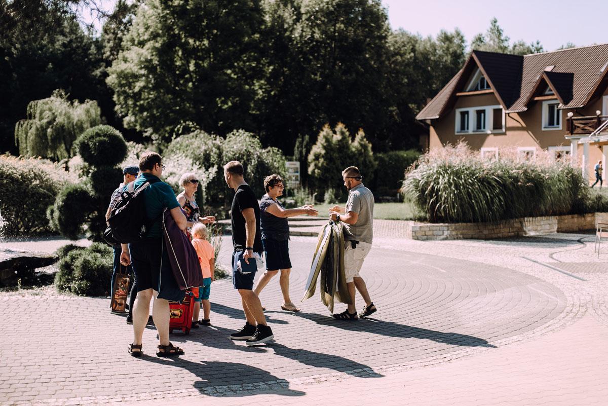 slub-w-plenerze-wesele-na-Mazurach-Hotel-Pory-Roku-Czysteblota-Pokrzydowo-Swietliste-Beata-Radek-005