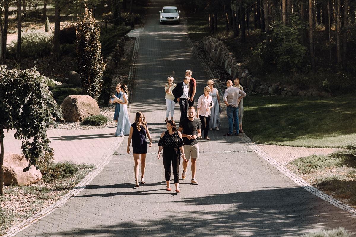 slub-w-plenerze-wesele-na-Mazurach-Hotel-Pory-Roku-Czysteblota-Pokrzydowo-Swietliste-Beata-Radek-018