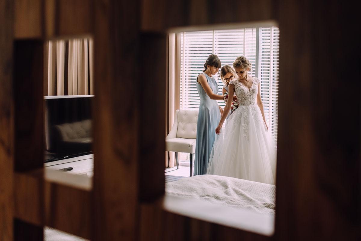 slub-w-plenerze-wesele-na-Mazurach-Hotel-Pory-Roku-Czysteblota-Pokrzydowo-Swietliste-Beata-Radek-027