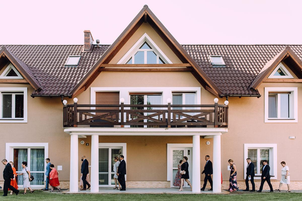 slub-w-plenerze-wesele-na-Mazurach-Hotel-Pory-Roku-Czysteblota-Pokrzydowo-Swietliste-Beata-Radek-057