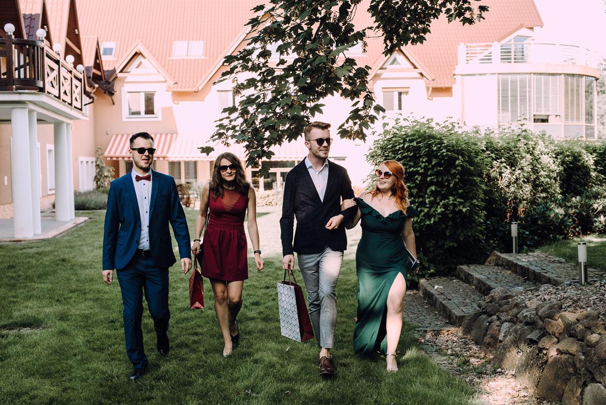 slub-w-plenerze-wesele-na-Mazurach-Hotel-Pory-Roku-Czysteblota-Pokrzydowo-Swietliste-Beata-Radek-059