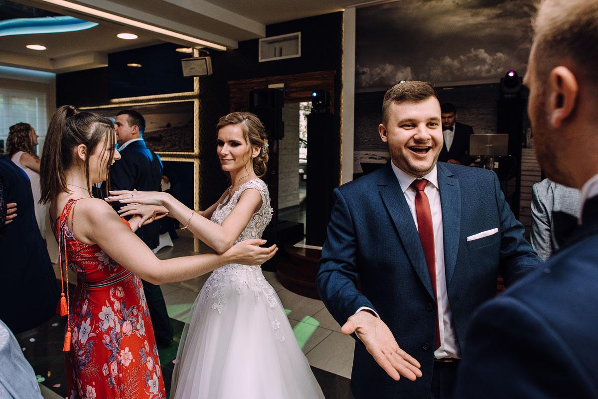 slub-w-plenerze-wesele-na-Mazurach-Hotel-Pory-Roku-Czysteblota-Pokrzydowo-Swietliste-Beata-Radek-150