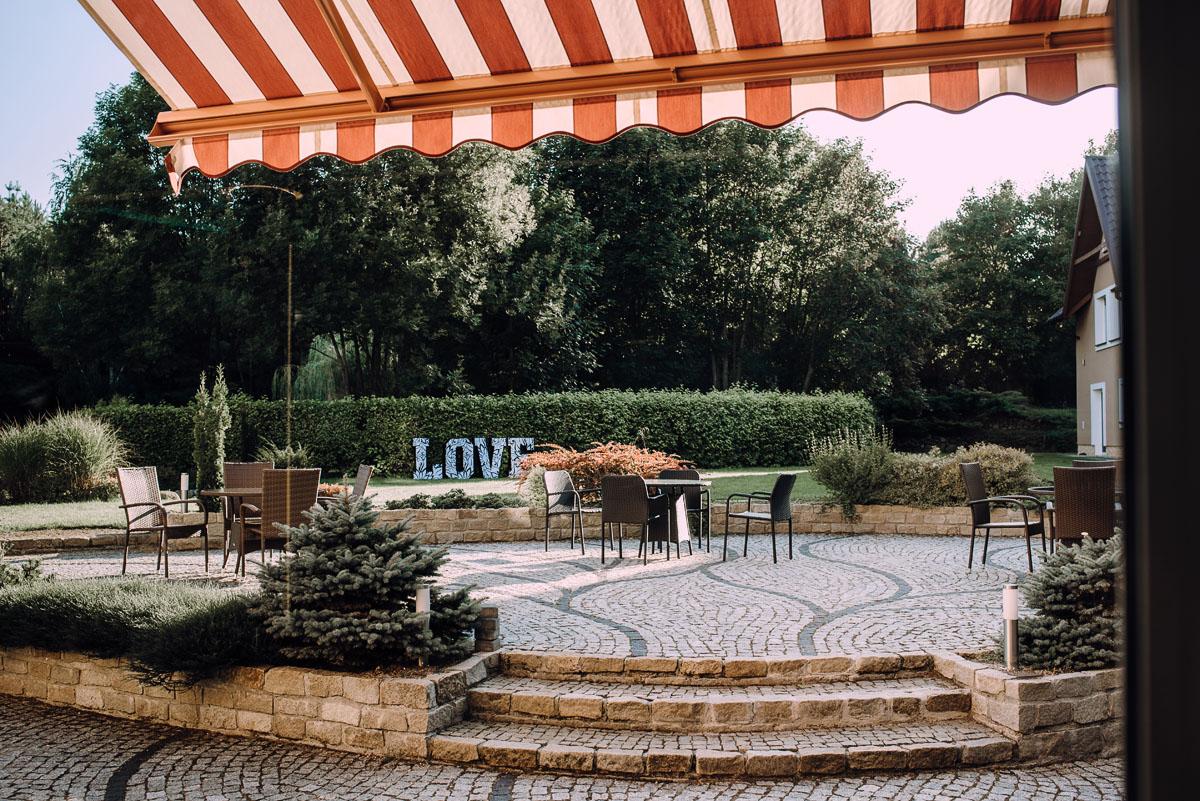 slub-w-plenerze-wesele-na-Mazurach-Hotel-Pory-Roku-Czysteblota-Pokrzydowo-Swietliste-Beata-Radek-154