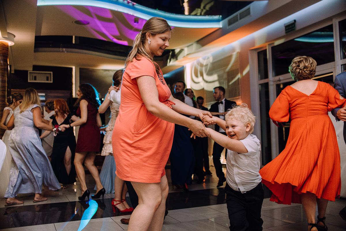 slub-w-plenerze-wesele-na-Mazurach-Hotel-Pory-Roku-Czysteblota-Pokrzydowo-Swietliste-Beata-Radek-178