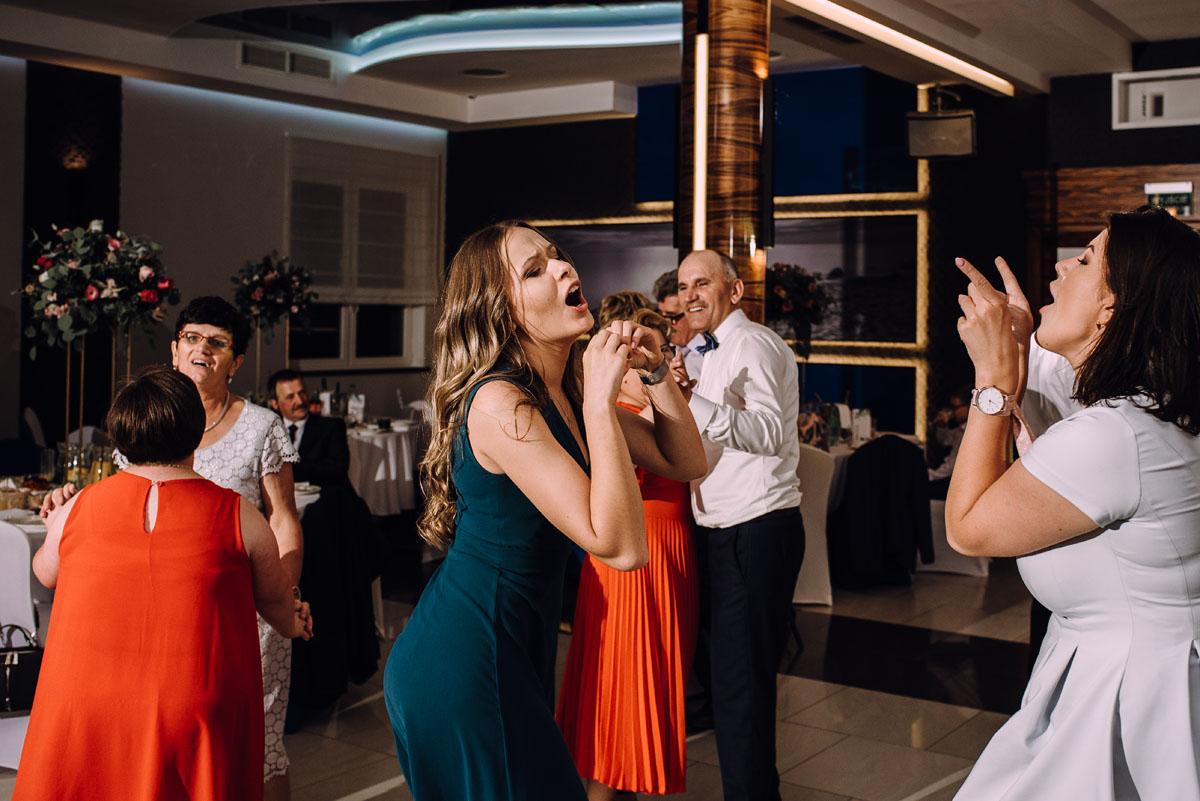 slub-w-plenerze-wesele-na-Mazurach-Hotel-Pory-Roku-Czysteblota-Pokrzydowo-Swietliste-Beata-Radek-209