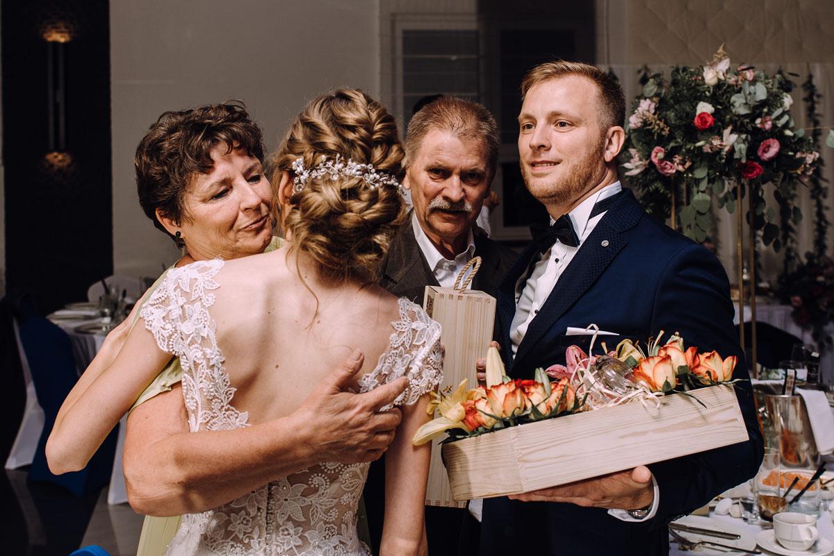 slub-w-plenerze-wesele-na-Mazurach-Hotel-Pory-Roku-Czysteblota-Pokrzydowo-Swietliste-Beata-Radek-226