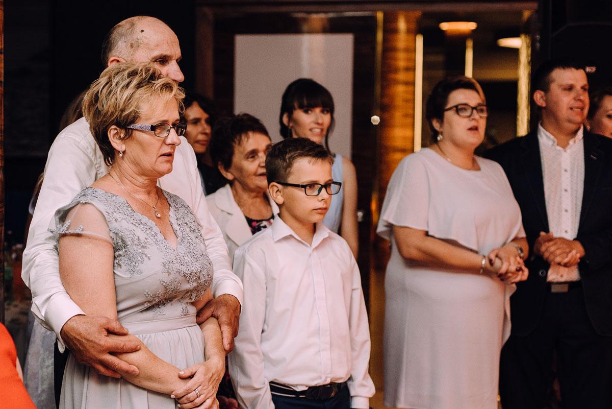 slub-w-plenerze-wesele-na-Mazurach-Hotel-Pory-Roku-Czysteblota-Pokrzydowo-Swietliste-Beata-Radek-229