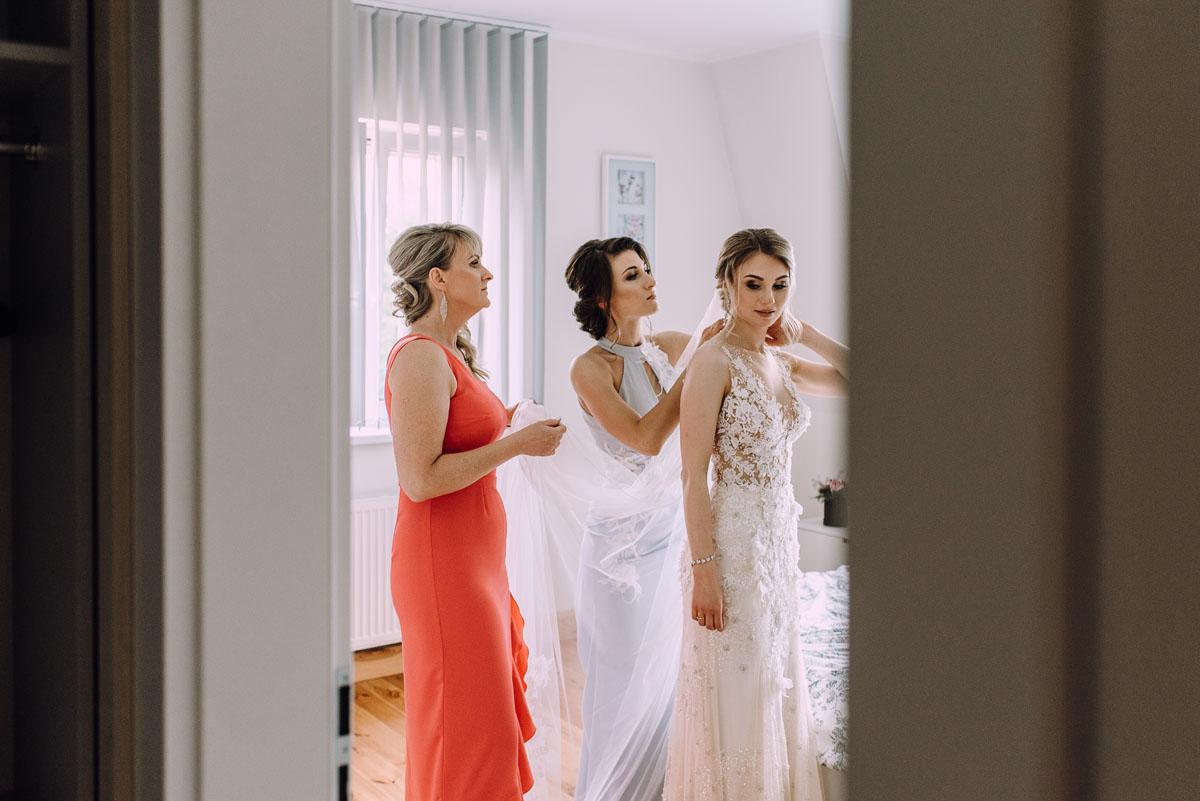slub-Marika-Milosz-kosciol-Matki-Boskiej-Zwycieskiej-wesele-Mio-Piano-Torun-036