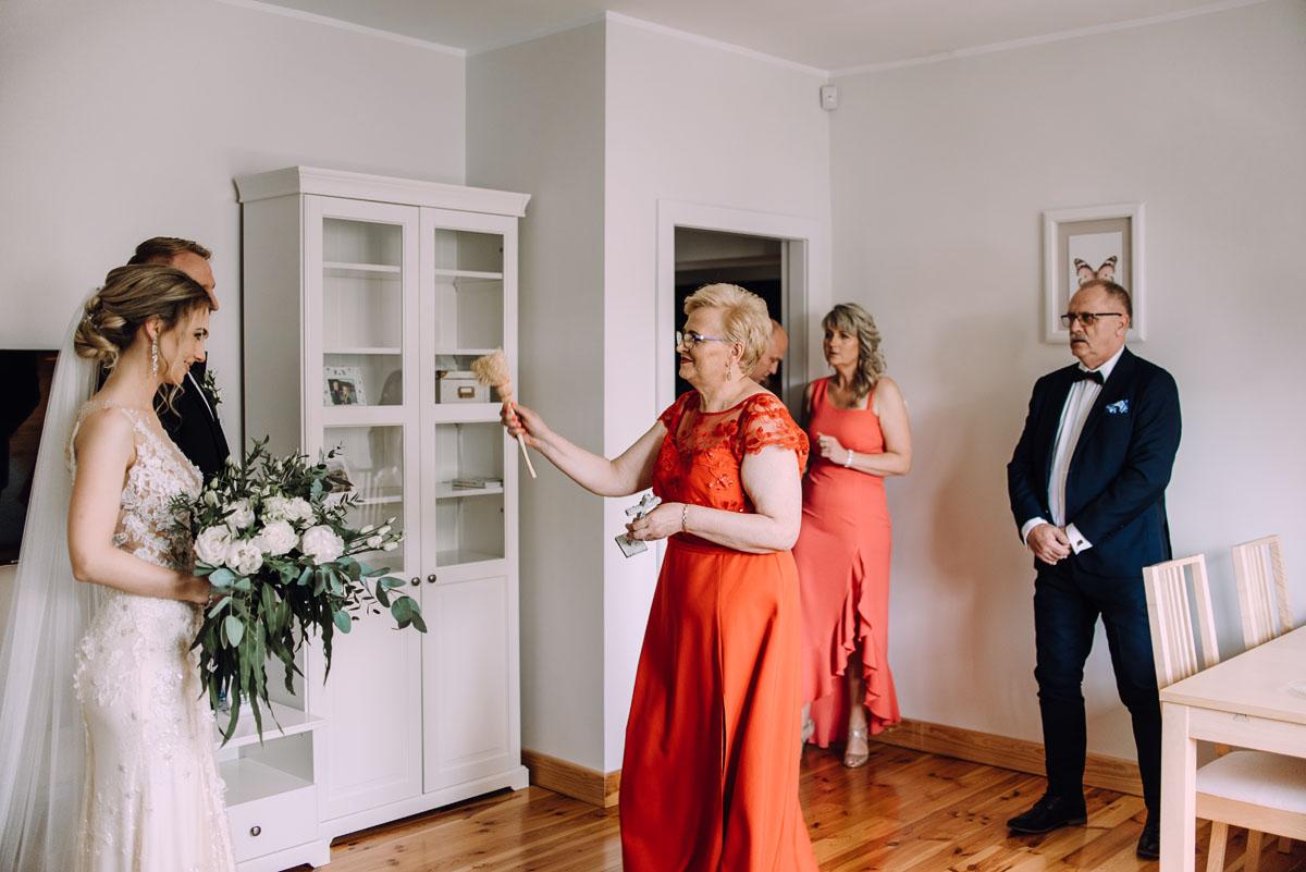 slub-Marika-Milosz-kosciol-Matki-Boskiej-Zwycieskiej-wesele-Mio-Piano-Torun-053