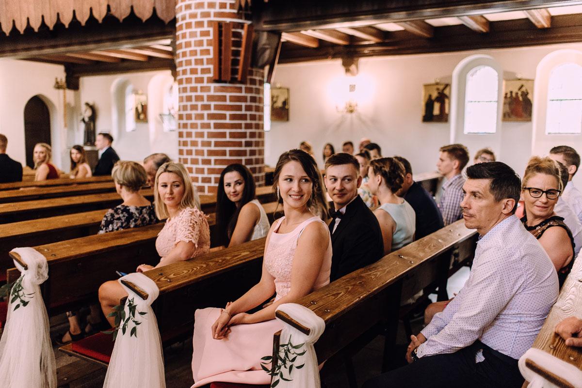 slub-Marika-Milosz-kosciol-Matki-Boskiej-Zwycieskiej-wesele-Mio-Piano-Torun-061