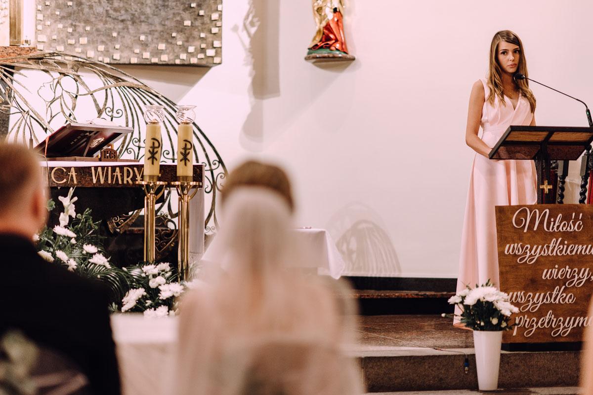 slub-Marika-Milosz-kosciol-Matki-Boskiej-Zwycieskiej-wesele-Mio-Piano-Torun-072