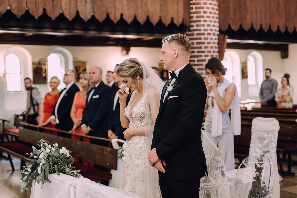 slub-Marika-Milosz-kosciol-Matki-Boskiej-Zwycieskiej-wesele-Mio-Piano-Torun-075