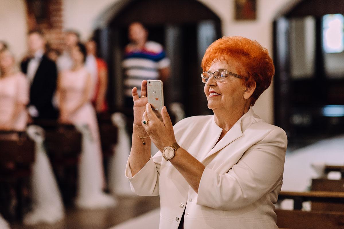 slub-Marika-Milosz-kosciol-Matki-Boskiej-Zwycieskiej-wesele-Mio-Piano-Torun-076