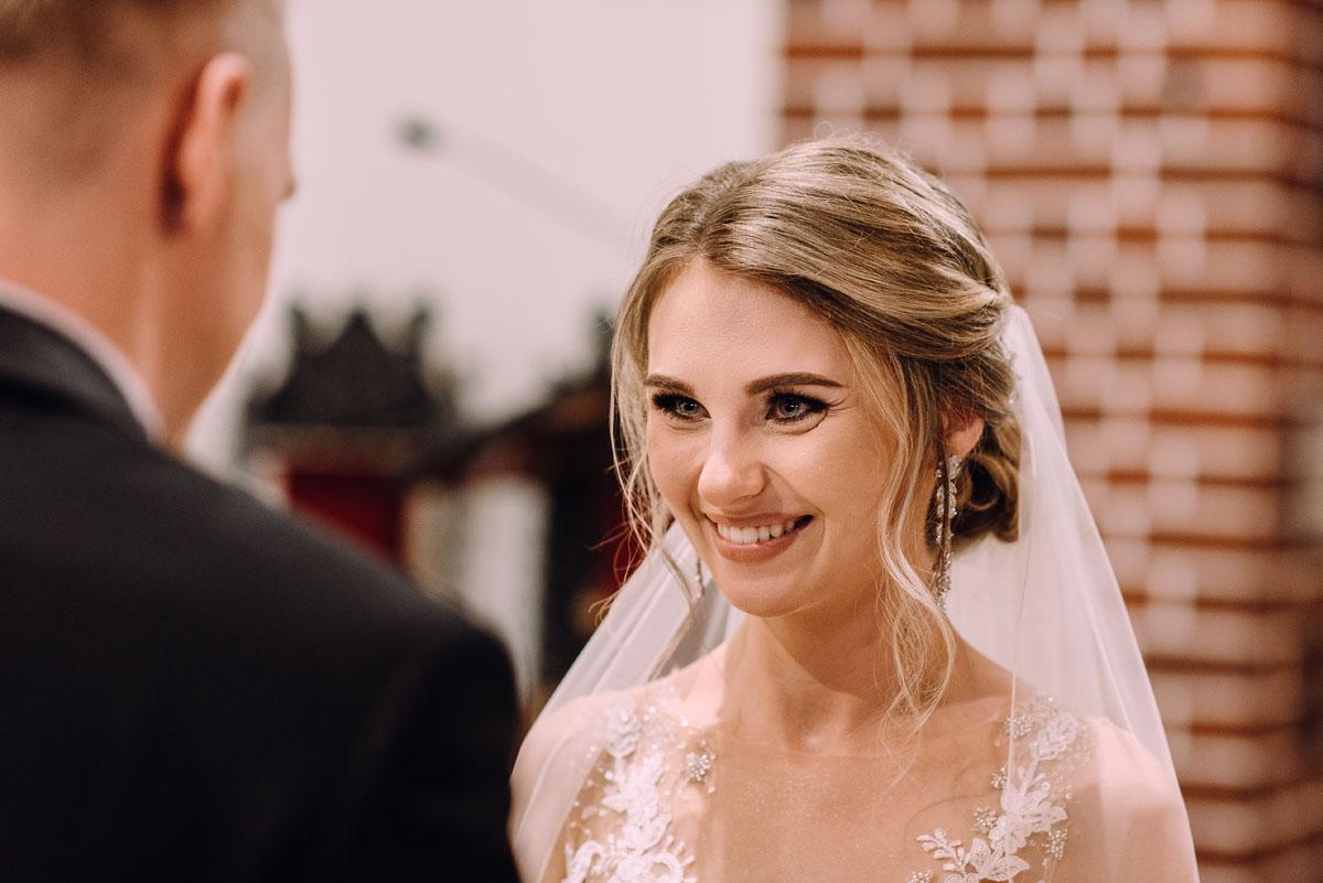 slub-Marika-Milosz-kosciol-Matki-Boskiej-Zwycieskiej-wesele-Mio-Piano-Torun-080