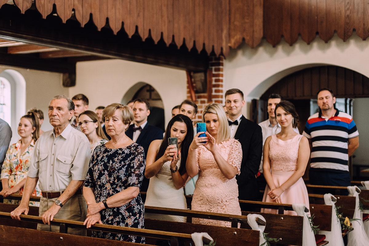 slub-Marika-Milosz-kosciol-Matki-Boskiej-Zwycieskiej-wesele-Mio-Piano-Torun-081