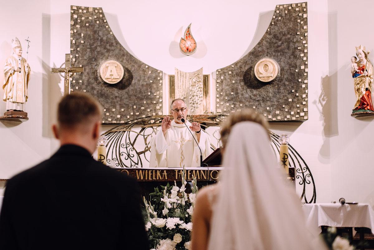 slub-Marika-Milosz-kosciol-Matki-Boskiej-Zwycieskiej-wesele-Mio-Piano-Torun-104