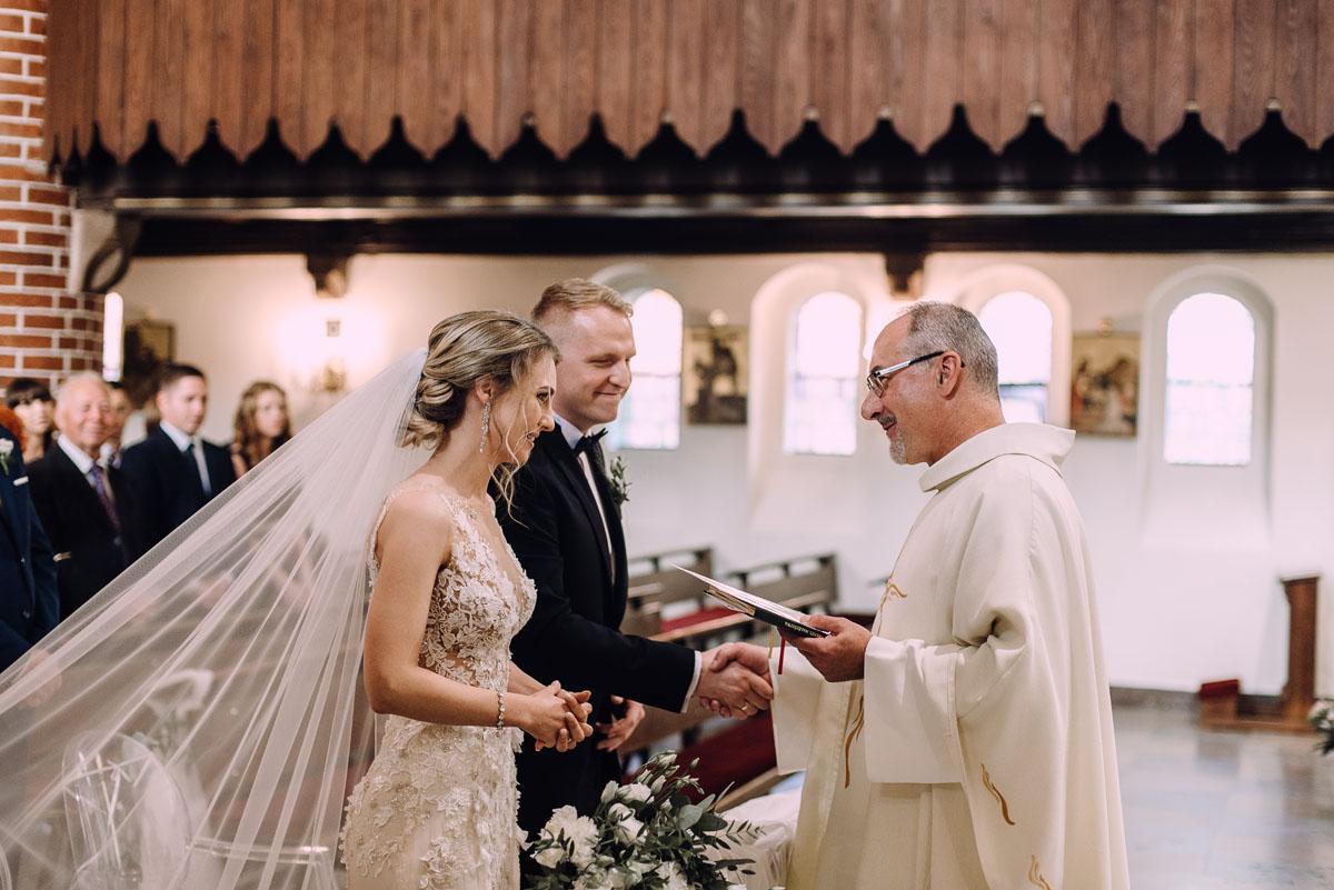 slub-Marika-Milosz-kosciol-Matki-Boskiej-Zwycieskiej-wesele-Mio-Piano-Torun-106