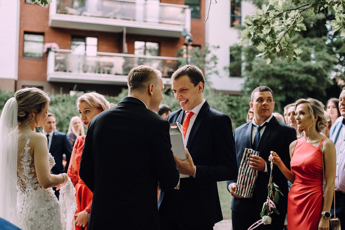 slub-Marika-Milosz-kosciol-Matki-Boskiej-Zwycieskiej-wesele-Mio-Piano-Torun-123
