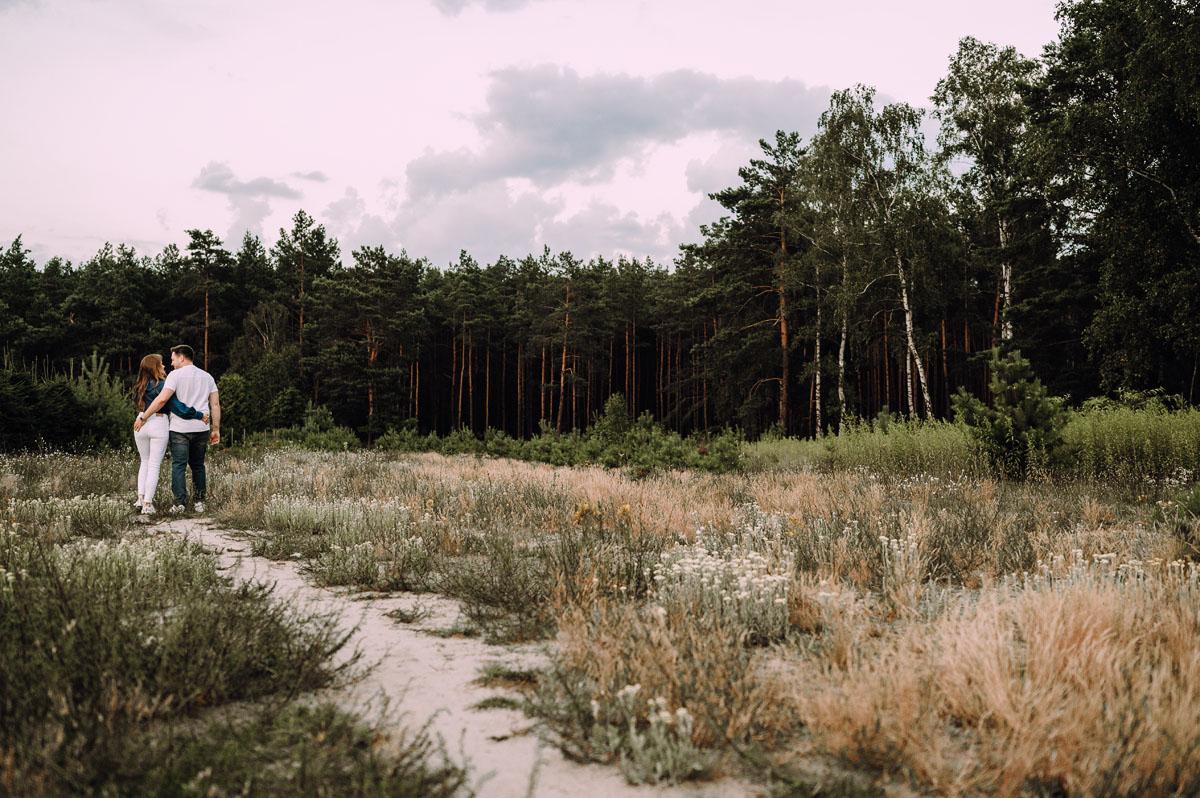 naturalna-letnia-sesja-plenerowa-Joanna-Jacek-050