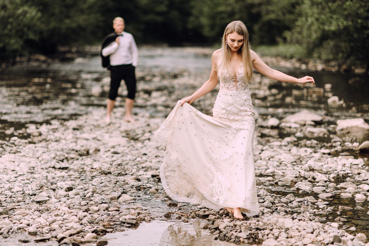 naturalna-sesja-slubna-w-Bieszczadach-Marika-Milosz-069