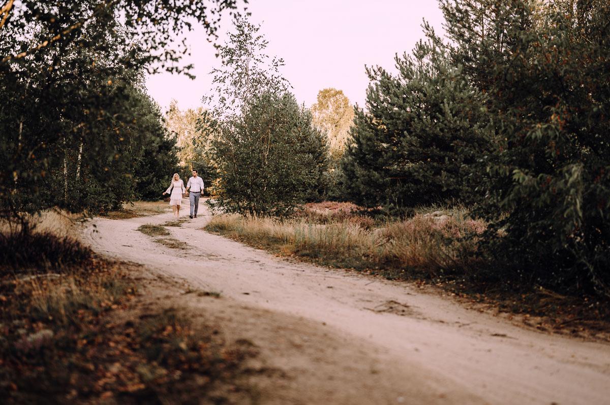 sesja-slubna-pole-wrzosow-Estera-Dawid-003