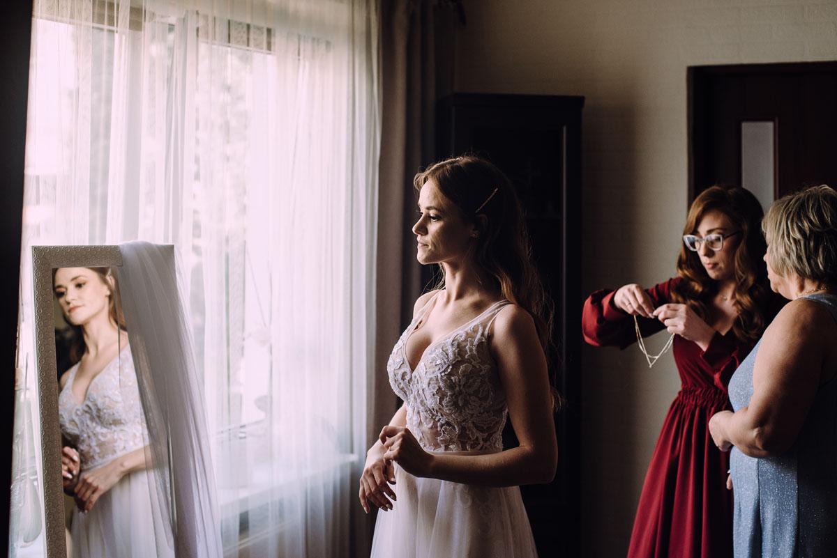 slub-Joanna-Jacek-Bazylika-Konkatedra-Swietej-Trojcy-w-Chelmzy-wesele-Hotel-Imperium-Chelmza-037
