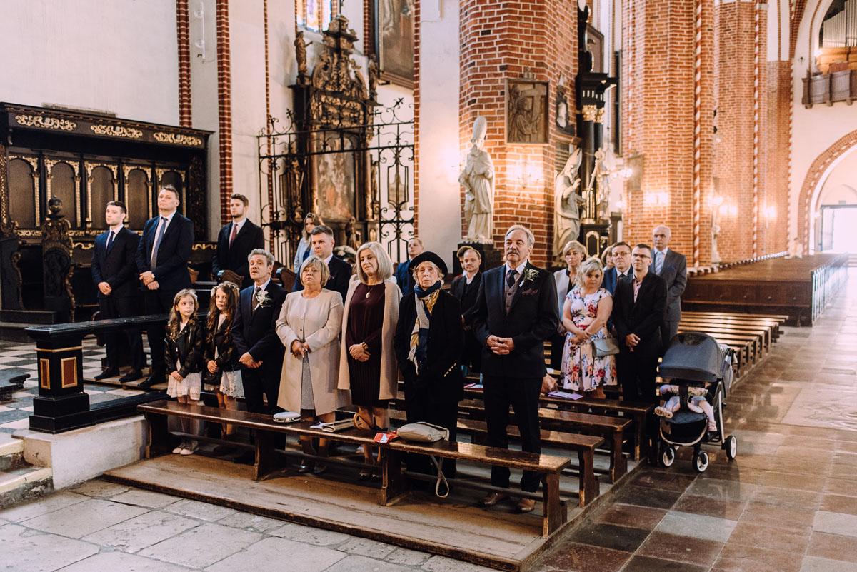slub-Joanna-Jacek-Bazylika-Konkatedra-Swietej-Trojcy-w-Chelmzy-wesele-Hotel-Imperium-Chelmza-090