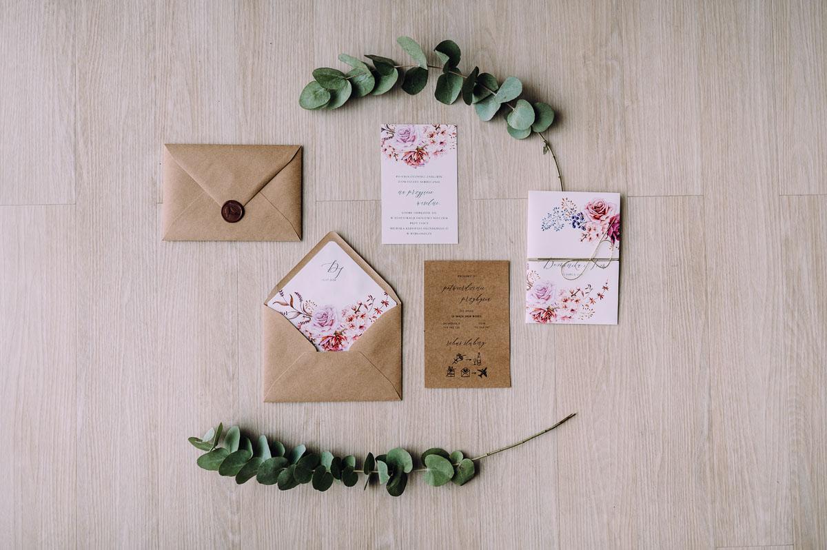 slow-wedding-przygotowania-slubne-apartamenty-sowa-slub-kosciol-sw-Trojcy-Bydgoszcz-wesele-pod-namiotem-garden-party-w-stylu-slow-Dominika-Tom-008