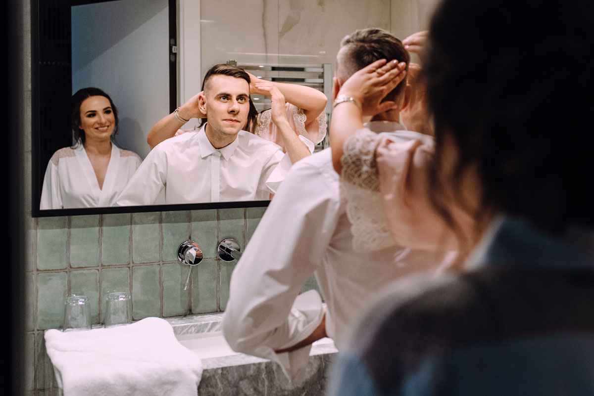 slow-wedding-przygotowania-slubne-apartamenty-sowa-slub-kosciol-sw-Trojcy-Bydgoszcz-wesele-pod-namiotem-garden-party-w-stylu-slow-Dominika-Tom-019