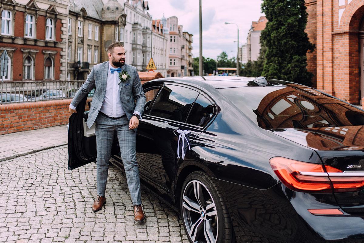 slow-wedding-przygotowania-slubne-apartamenty-sowa-slub-kosciol-sw-Trojcy-Bydgoszcz-wesele-pod-namiotem-garden-party-w-stylu-slow-Dominika-Tom-066