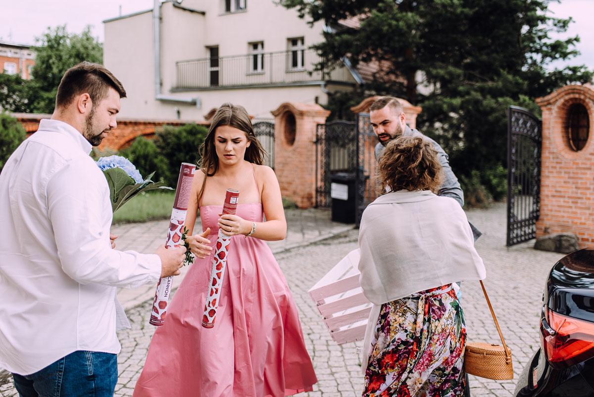 slow-wedding-przygotowania-slubne-apartamenty-sowa-slub-kosciol-sw-Trojcy-Bydgoszcz-wesele-pod-namiotem-garden-party-w-stylu-slow-Dominika-Tom-067