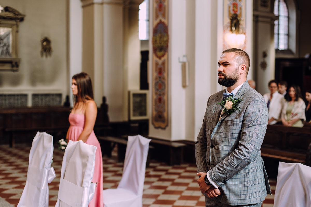 slow-wedding-przygotowania-slubne-apartamenty-sowa-slub-kosciol-sw-Trojcy-Bydgoszcz-wesele-pod-namiotem-garden-party-w-stylu-slow-Dominika-Tom-079