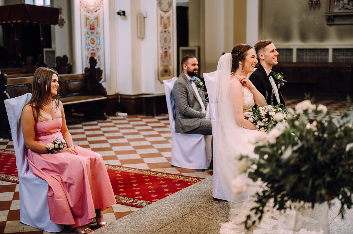slow-wedding-przygotowania-slubne-apartamenty-sowa-slub-kosciol-sw-Trojcy-Bydgoszcz-wesele-pod-namiotem-garden-party-w-stylu-slow-Dominika-Tom-080